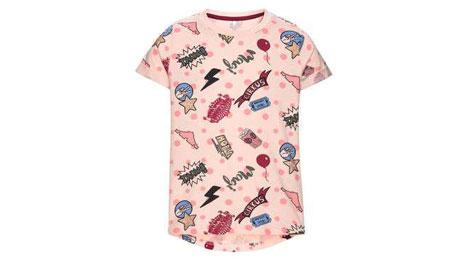 Lyserød t-shirt